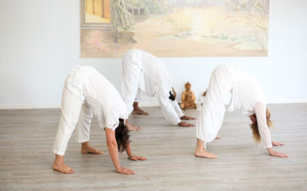 posture du triangle kundalini yoga