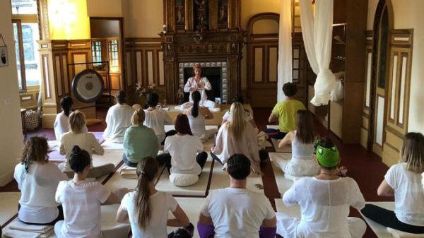 Séance de yoga Kundalini